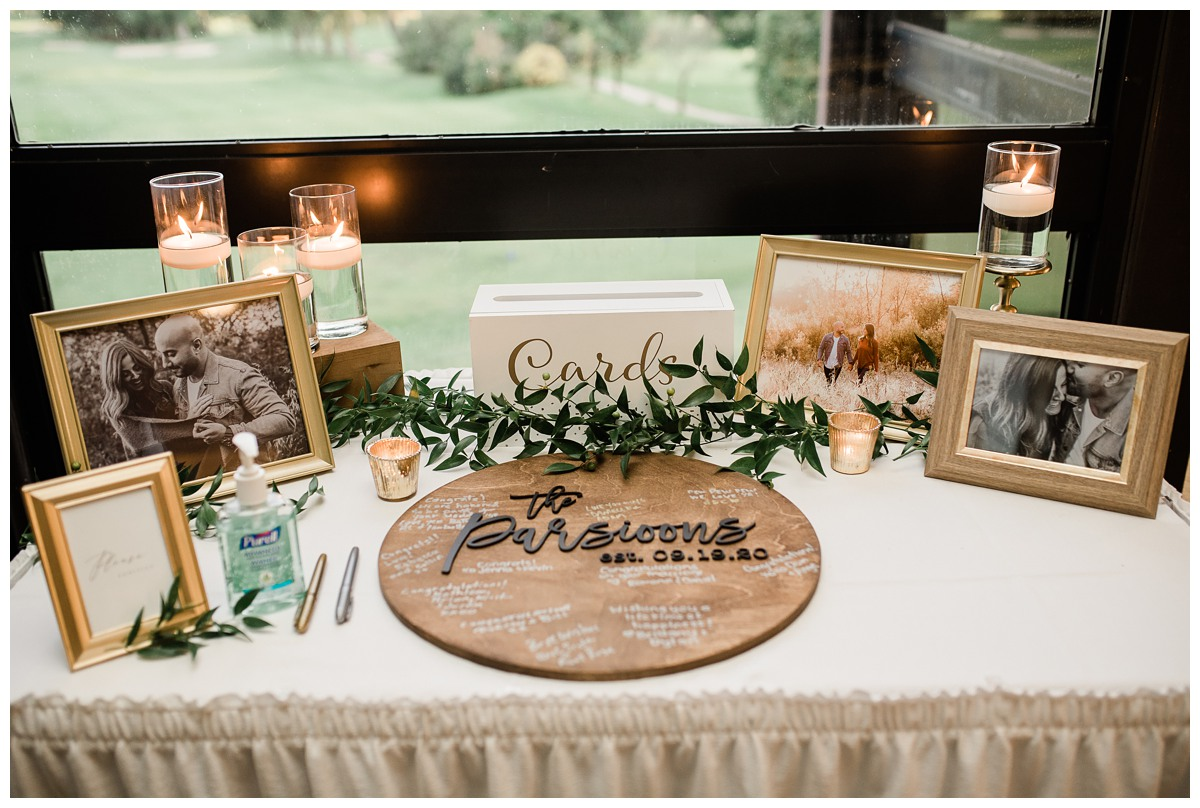 Elegant sign-in table at a micro wedding during covid19 pandemic at Royal Ashburn in Whitby