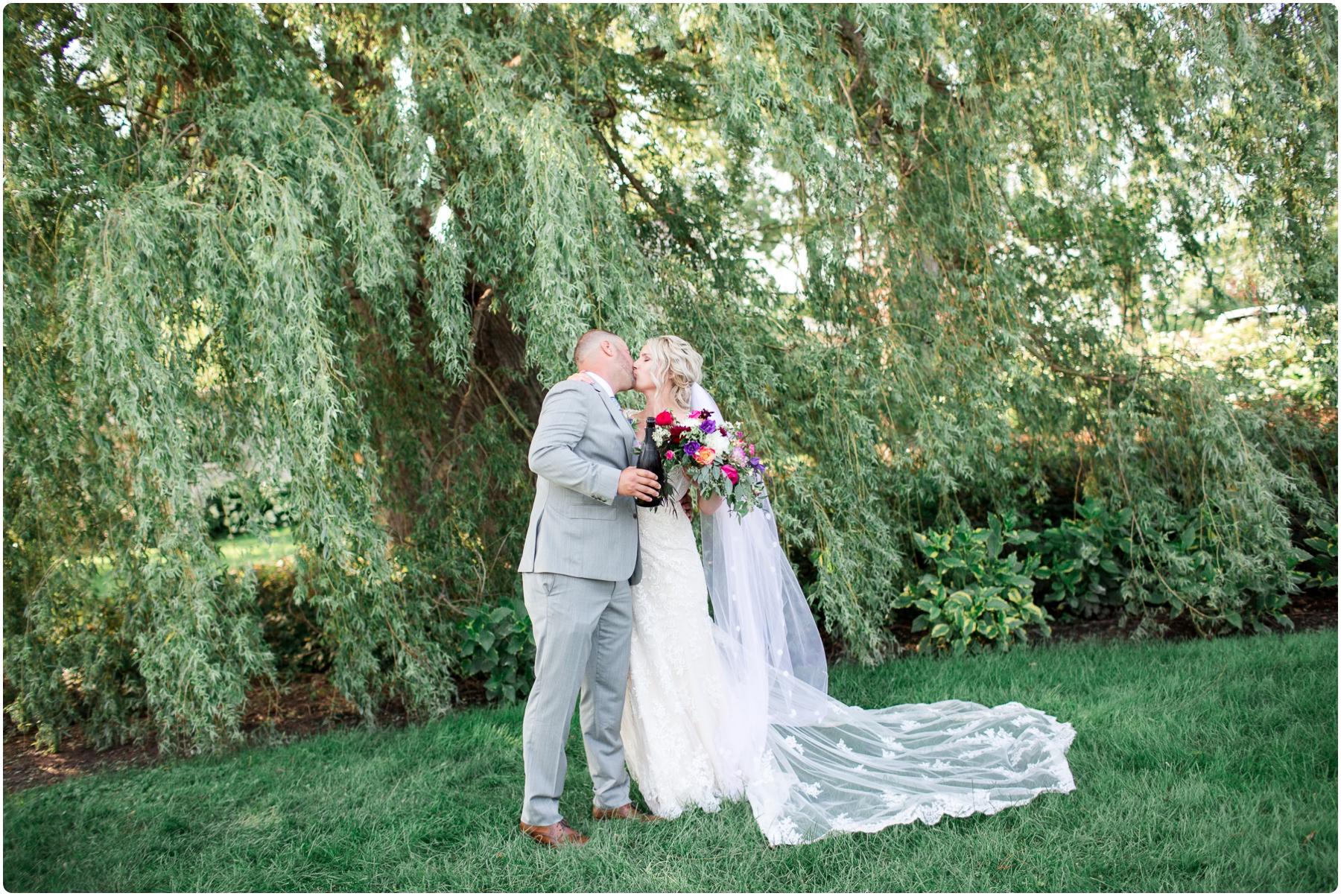 Katie+Jeff Bloom Field Garden_0079