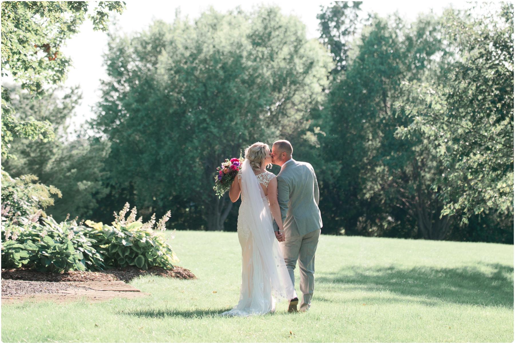 Katie+Jeff Bloom Field Garden_0095