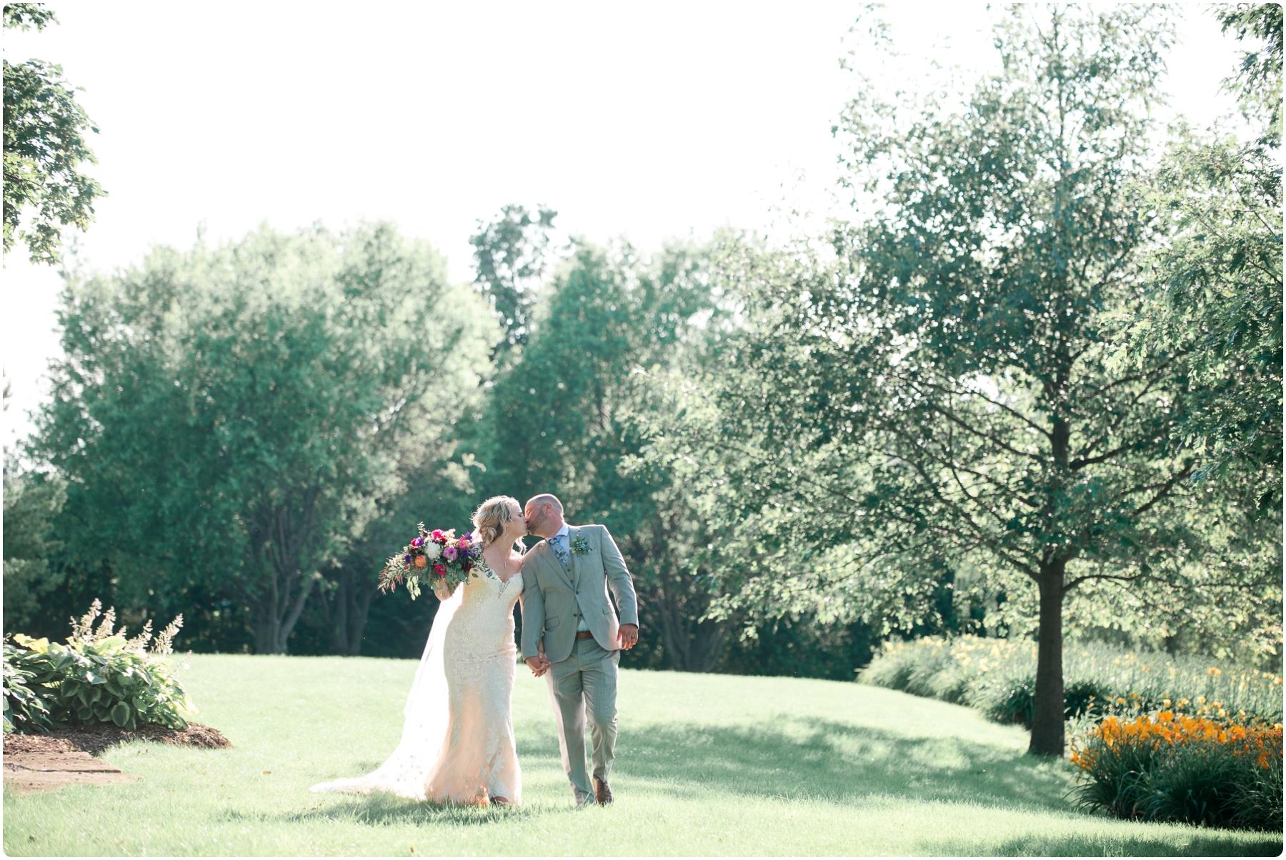 Katie+Jeff Bloom Field Garden_0097