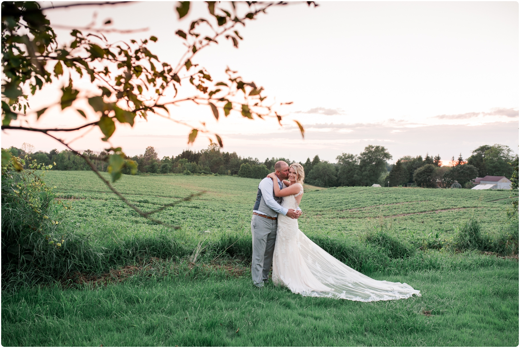 Katie+Jeff Bloom Field Garden_0128